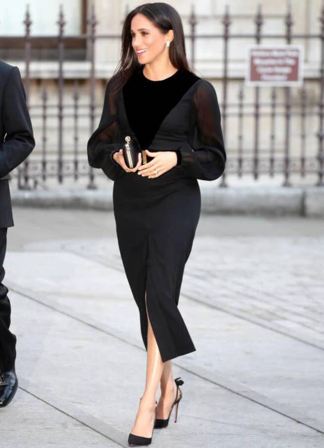Meghan Markle con un look de Givenchy.