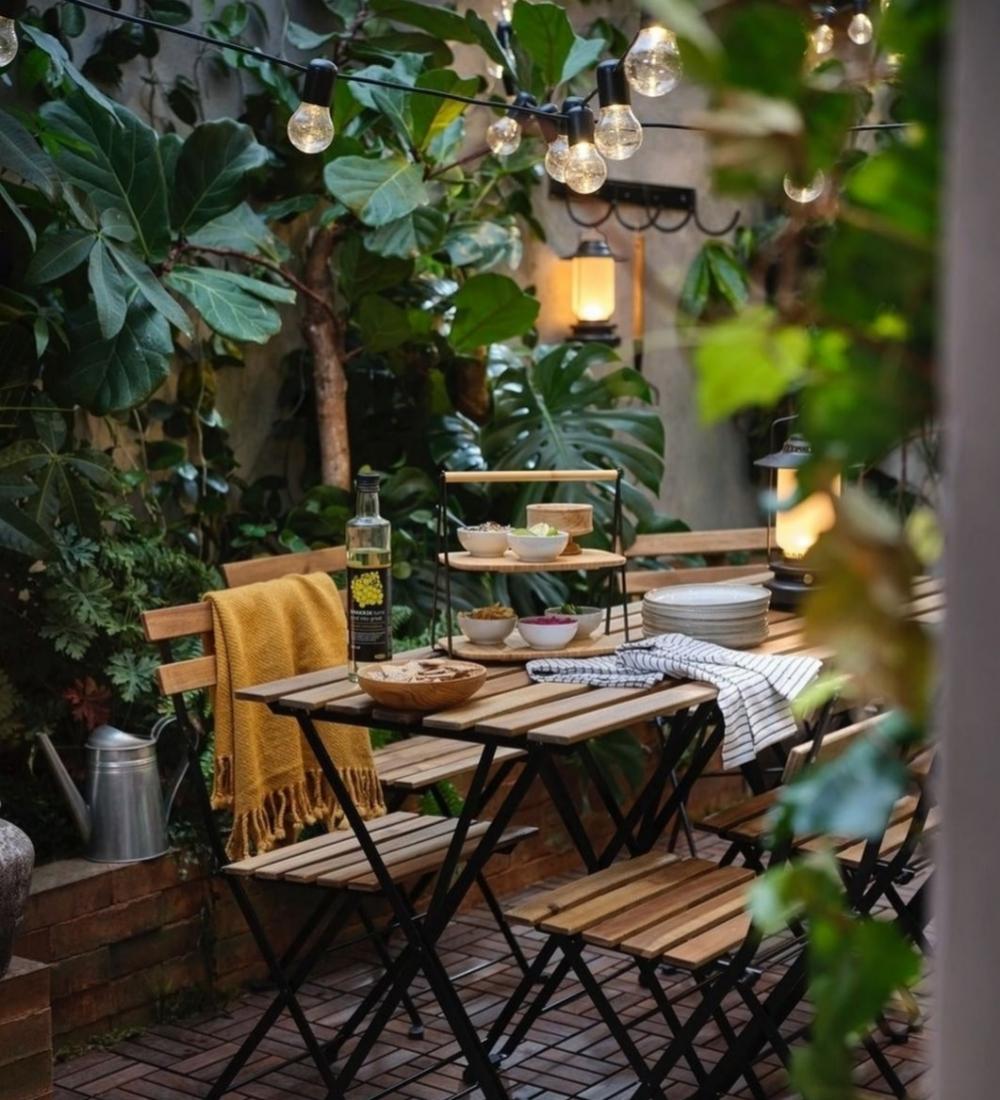 Amueblar a buenos precios una terraza es muy fácil con Ikea. A la...
