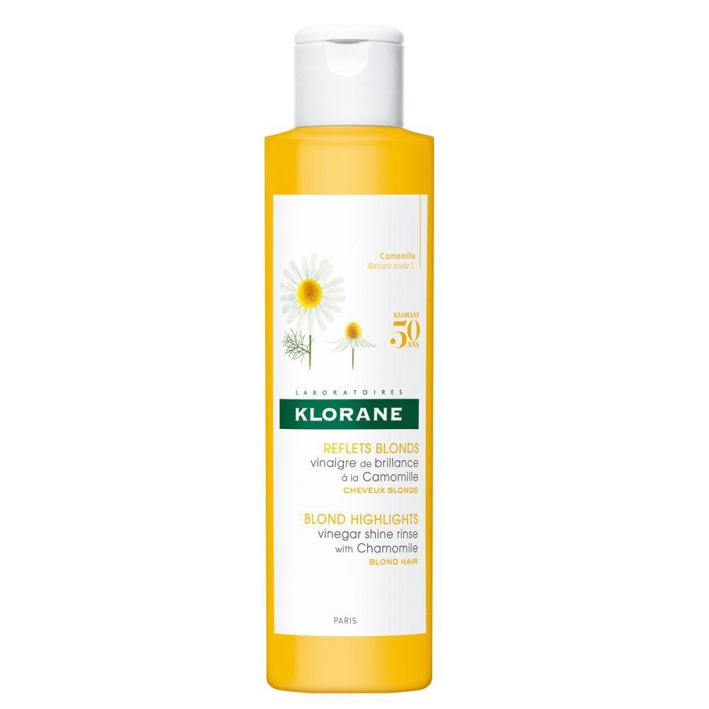 Vinagre de brillo a la camomila de Klorane (12,38 euros). Alisa la melena, ilumina de forma instantánea el cabello y facilita el desenredado. En farmacias.