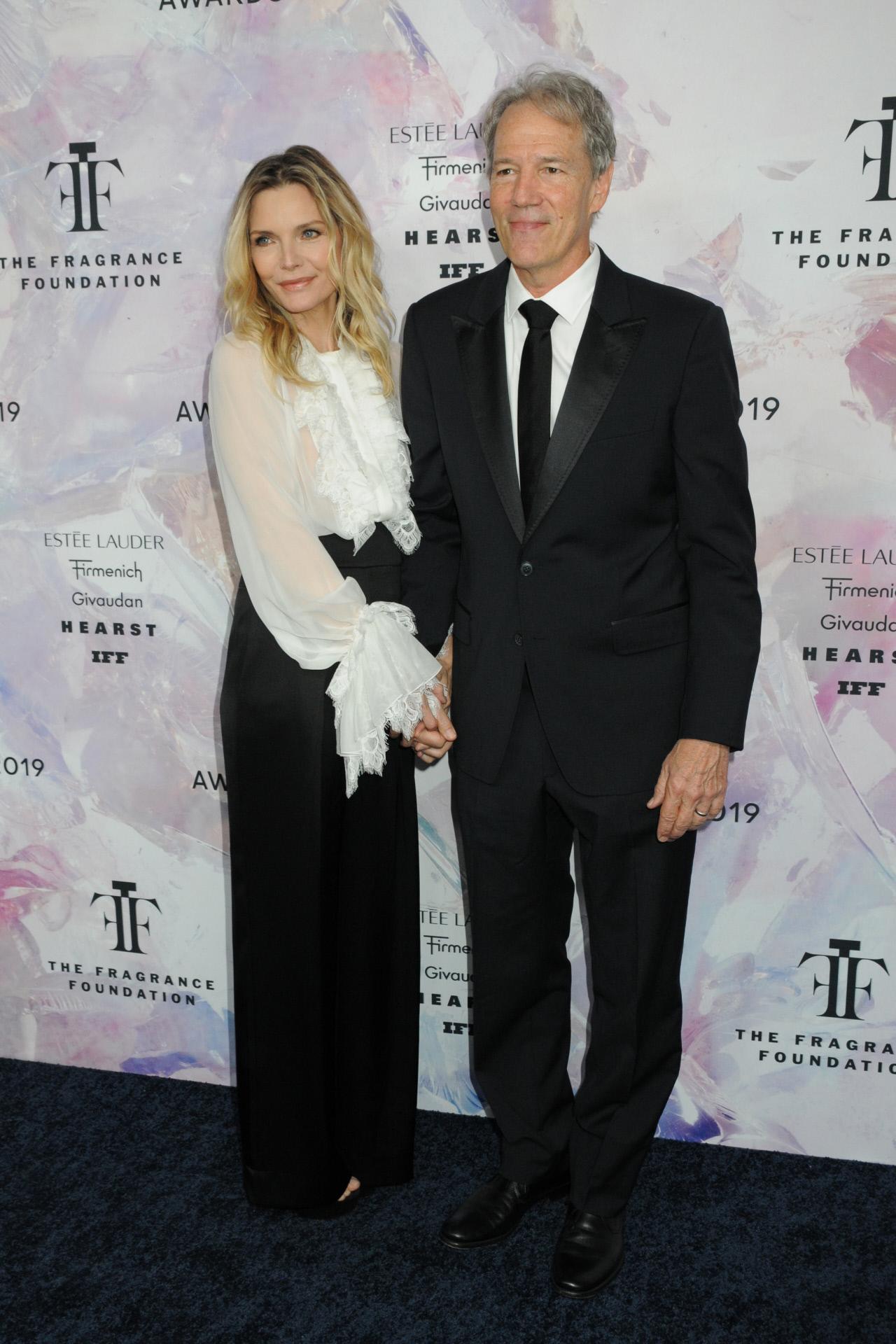 Con su marido de los últimos 27 años, David E. Kelley.