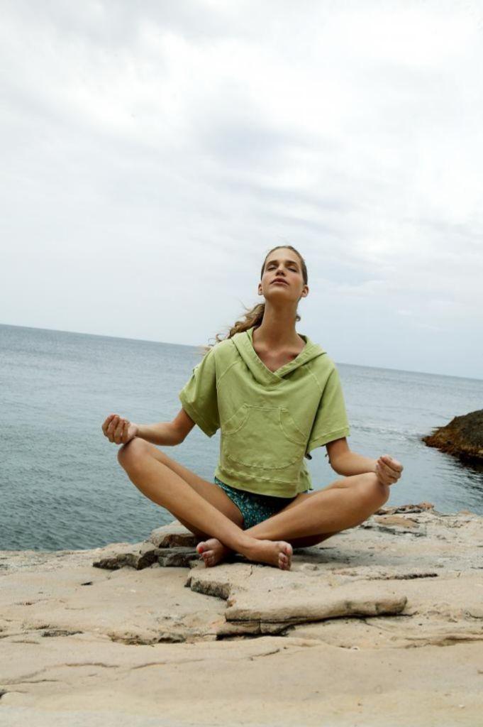 La relajación, colofón de la sesión de yoga, fundamental para encontrar un beneficio completo.