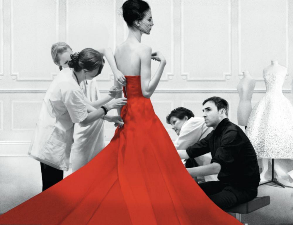 Raf Simons en el fitting de Dior antes del desfile.