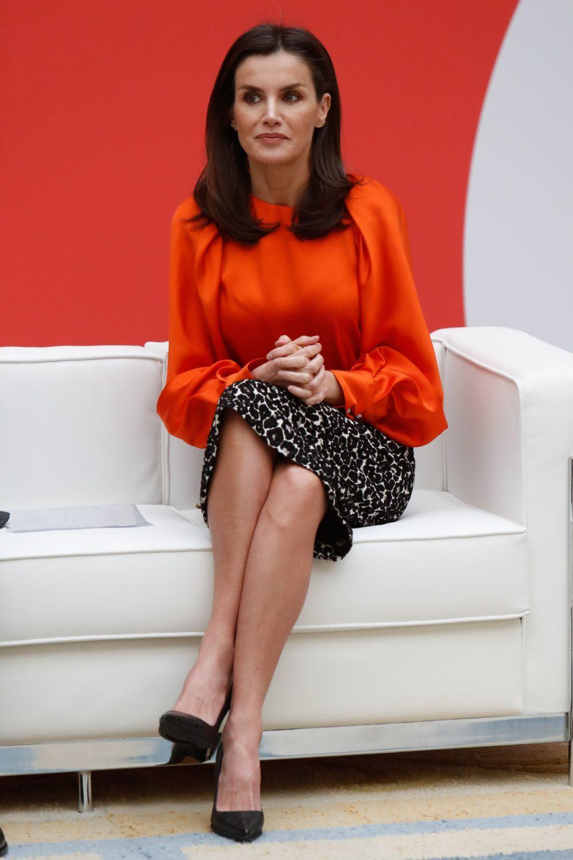 La reina Letizia cuida mucho su tono de piel y de sus piernas con tratamientos y cosméticos que potencian su color, suavidad y firmeza.