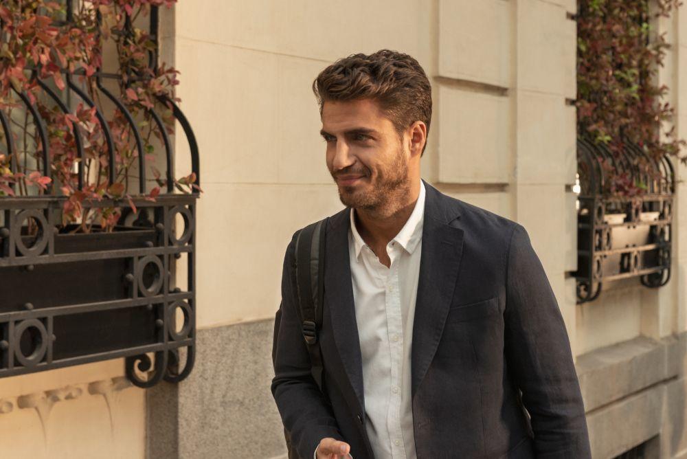 """Maxi Iglesias sustituyó a Benjamín Alfonso en el papel de Víctor, uno de los más importantes en la saga """"Valeria""""."""