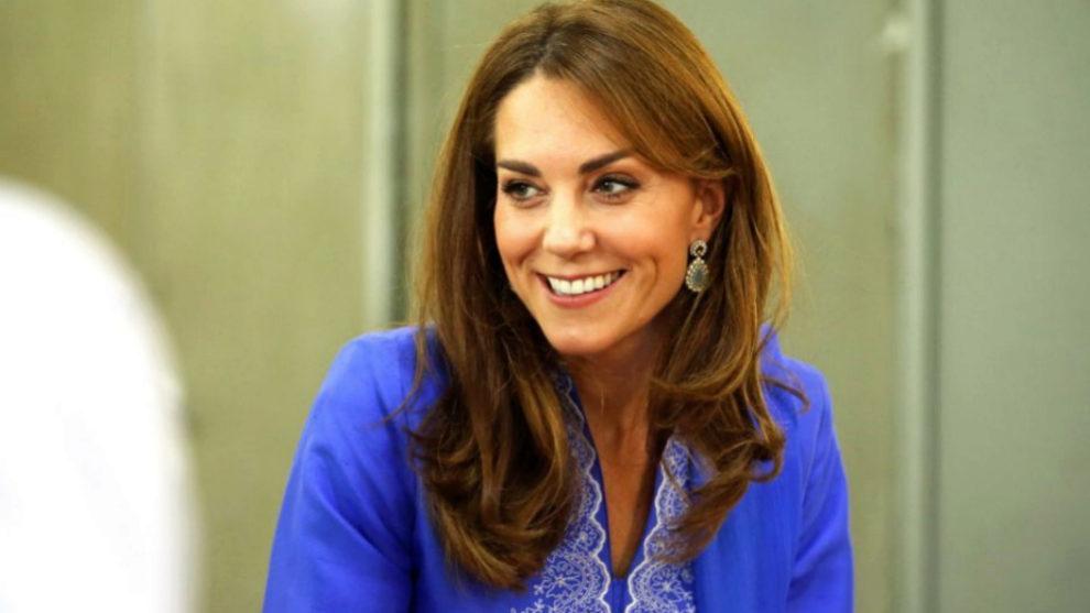 ¿Por qué Kate Middleton viste (casi) siempre de azul?