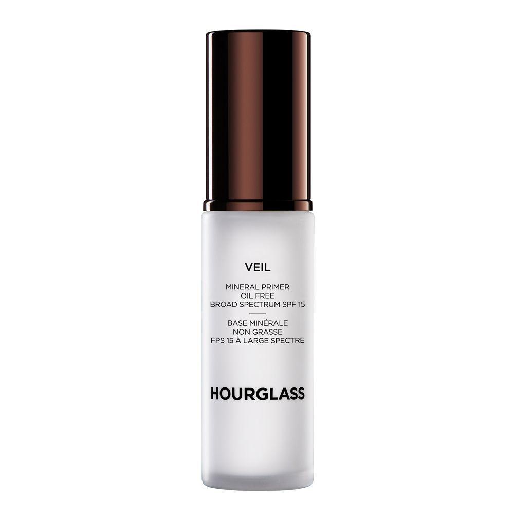 Veil Mineral Primer de Hourglass (55,95 euros), una pre-base vegana de textura revolucionaria que mantiene el maquillaje inalterable durante todo el día. Solo en Sephora y sephora.es.