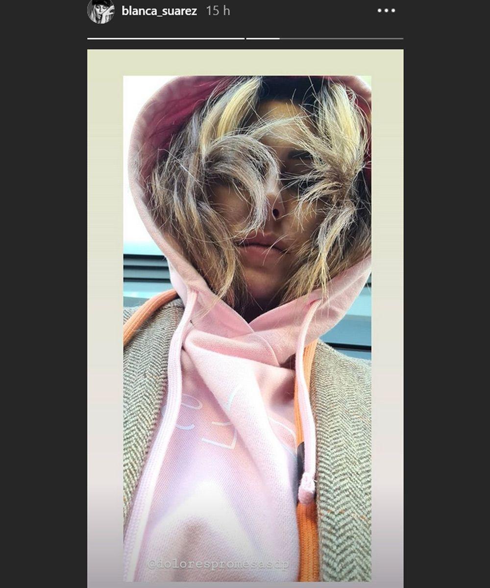Blanca Suárez estrena nuevo look de pelo con unas mechas en tonos arena que serán la tendencia del verano.