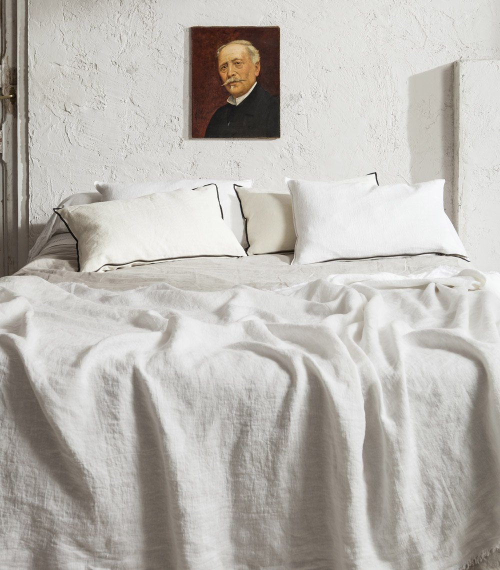 Su textura es especialmente apetecible. Plaid de Lino Blanc Ecru...