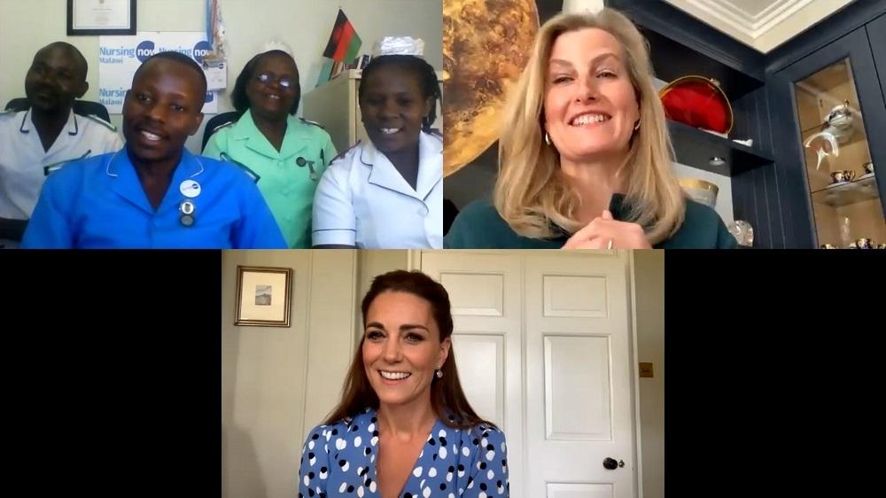Kate Middleton y Sofía de Wessex en videollamada con un grupo de enfermeras de Malawi.