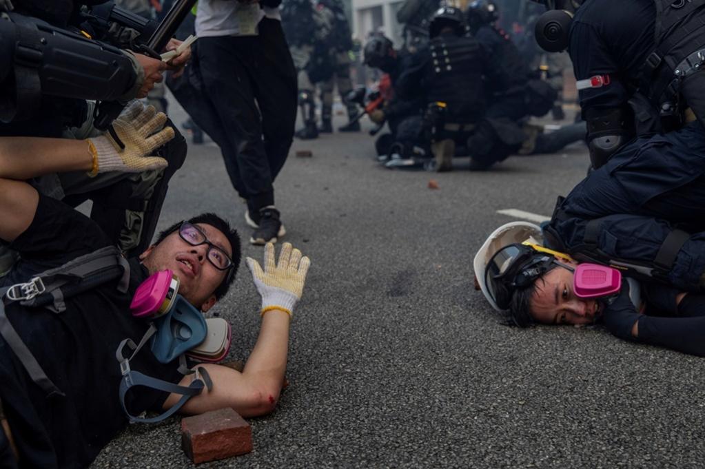 Foto de Susana Vera tomada durante los conflictos callejeros en Hong...