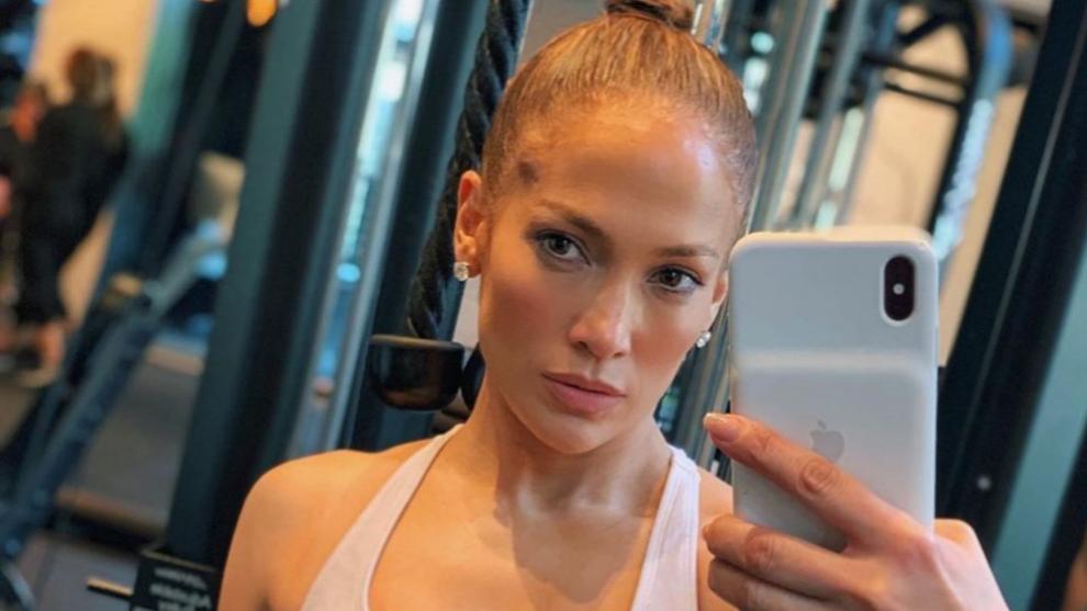 Jennifer Lopez en el gimnasio con leggins de Niyama Sol.