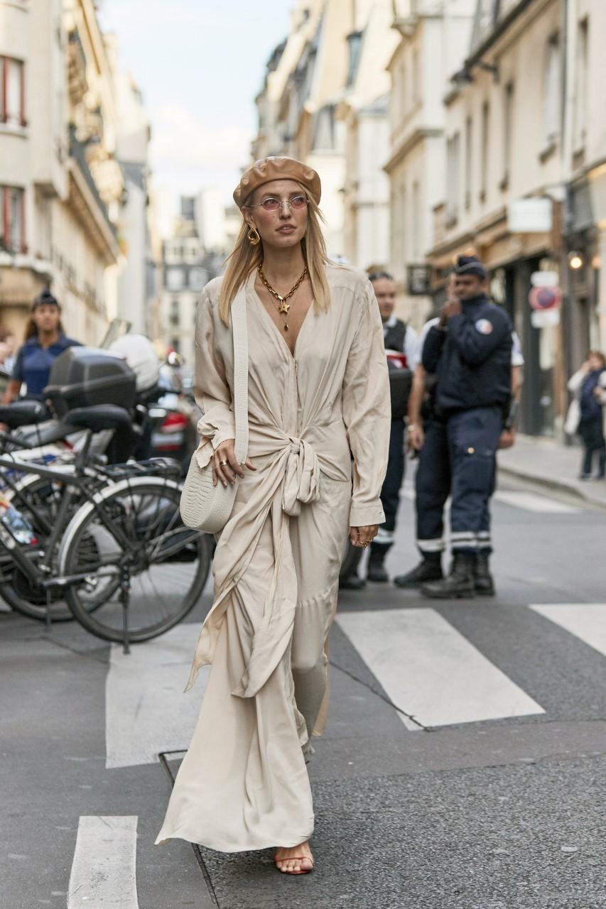 Un vestido, una camisa, un pantalón... Lo ideal, cuando hablamos de lino, es que apuestes por prendas oversize así que elige una talla más.