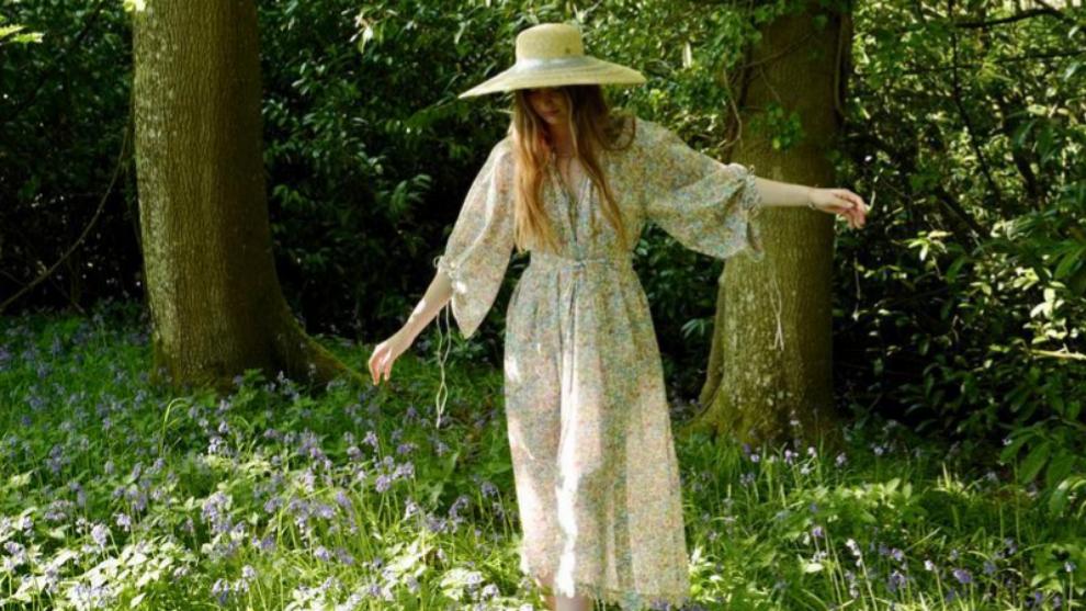 """""""Adoro mi jardín. Ahora estoy en él, escribiendo mientras contemplo..."""