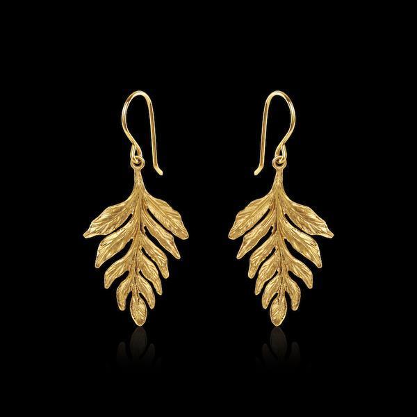 Pendientes Gold Fern Drop de Catherine Zoraida.