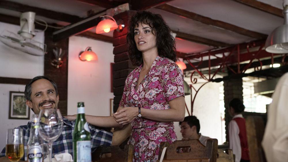 """Penélope Cruz interpreta a la mujer de Edgar Ramírez en """"La red avispa""""."""