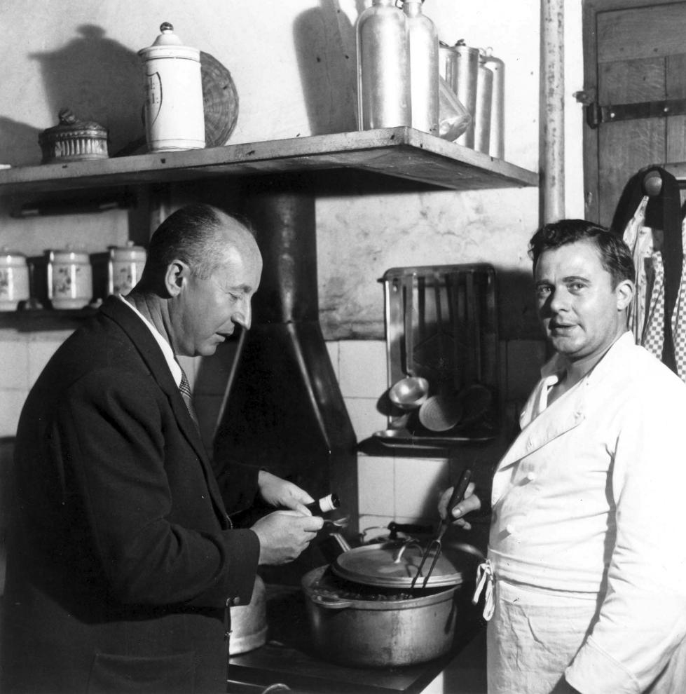 Christian Dior con su cocinero.