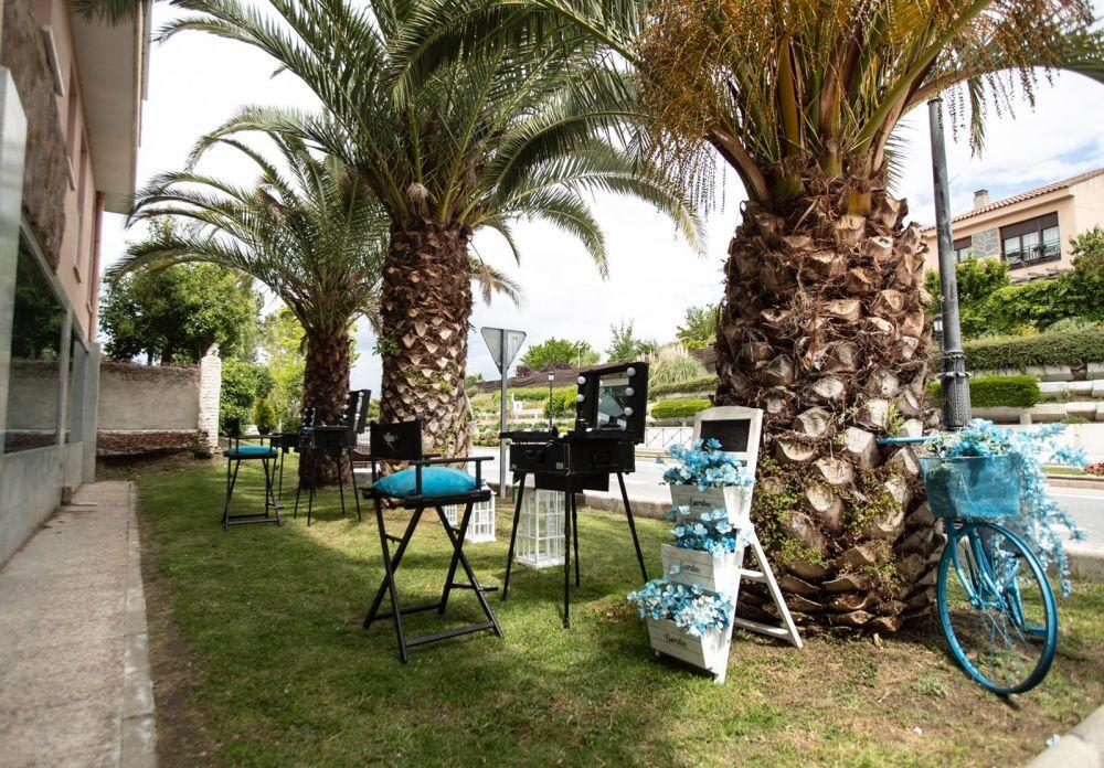 Peluquería al aire libre de Studio 25 en Villa de Quijorna.