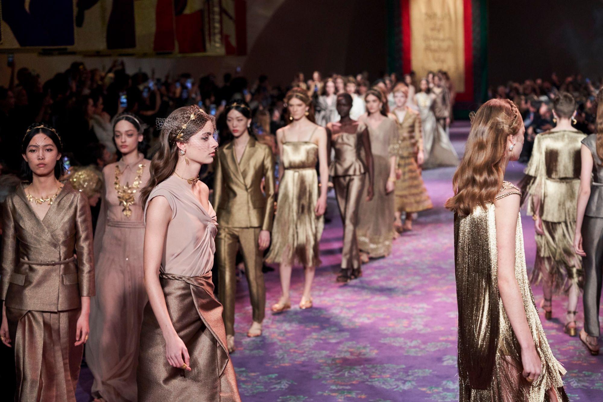 Carrusel final de la colección de Costura de Dior de esta primavera-verano 2020.