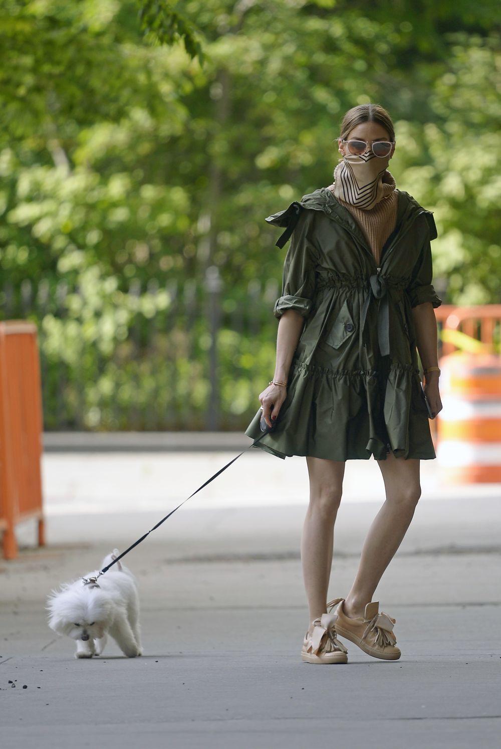 Olivia Palermo paseando por Nueva York