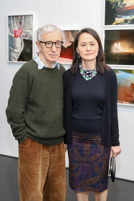 Woody Allen y Soon-Yi Previn en una exposición, en 2015.