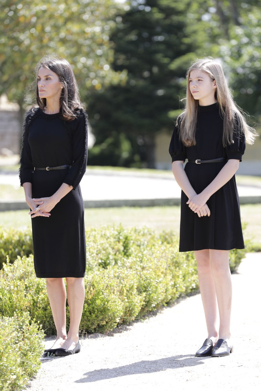 La reina Letizia y la infanta Sofía en el homenaje a los fallecidos...