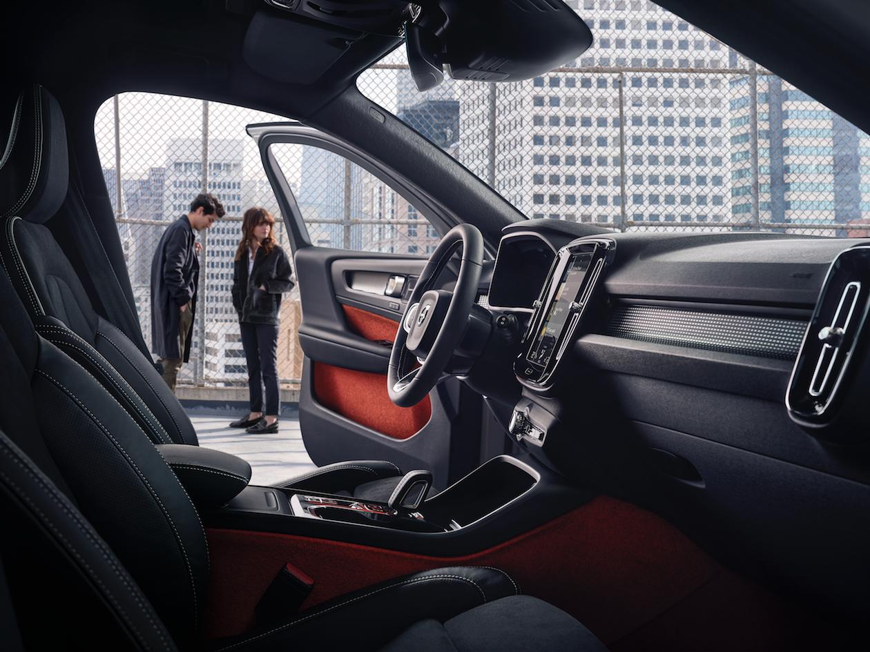 El interior del XC40 está inspirado en la moda urbana contemporánea, los productos de diseño y la cultura popular.