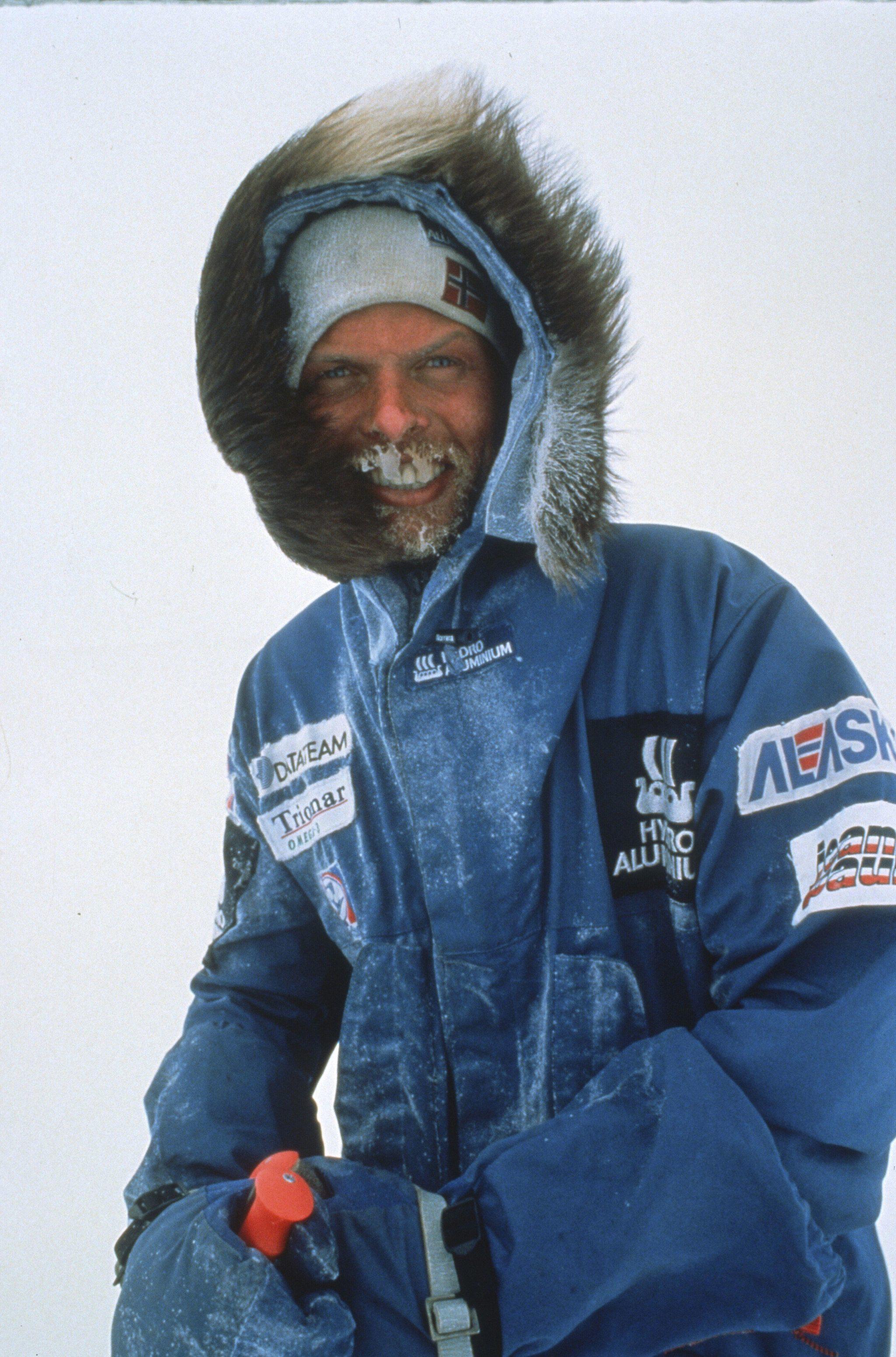 """Monte Everest. En 1994, ERling Kagge hizo cumbre en el  Everest, convirtiéndose en la primera persona en completar el """"Desafío de los tres polos""""."""