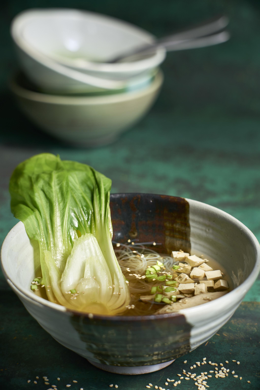 Sopa china con Pak Choi
