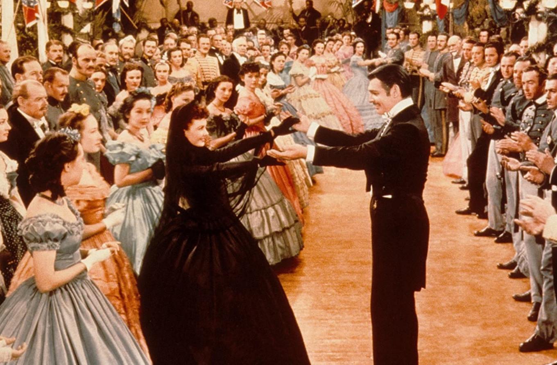 """Fotograma del baile en """"Lo que el viento se llevó""""."""