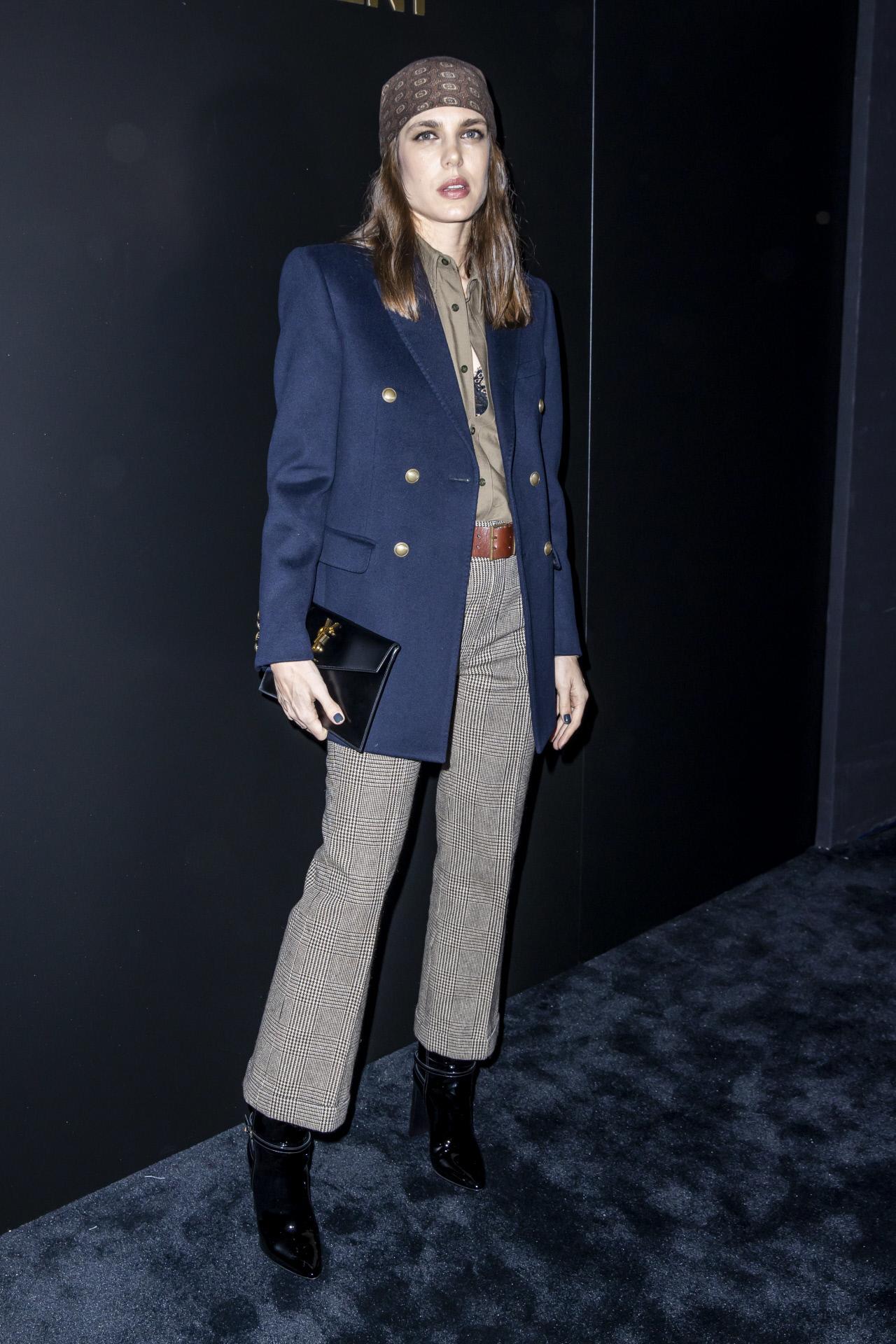 Carlota Casiraghi en el desfile de Saint Laurent en la semana de la moda de París en febrero 2020.