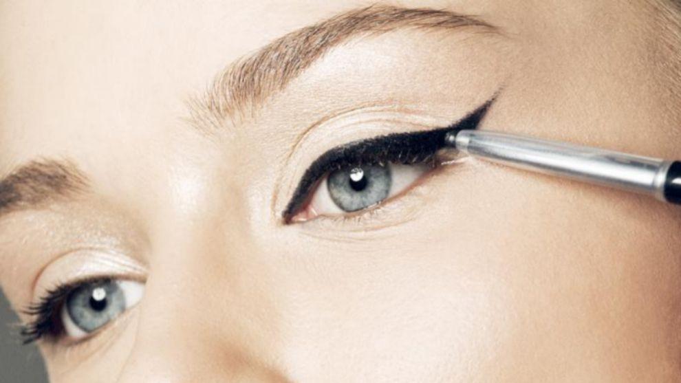 Cualquier técnica de maquillaje alrededor de los ojos sirve para...