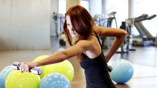 Hay muchísimos entrenamientos de fuerza, y no sólo están disponibles en el gimnasio. ¡Escoge el tuyo!