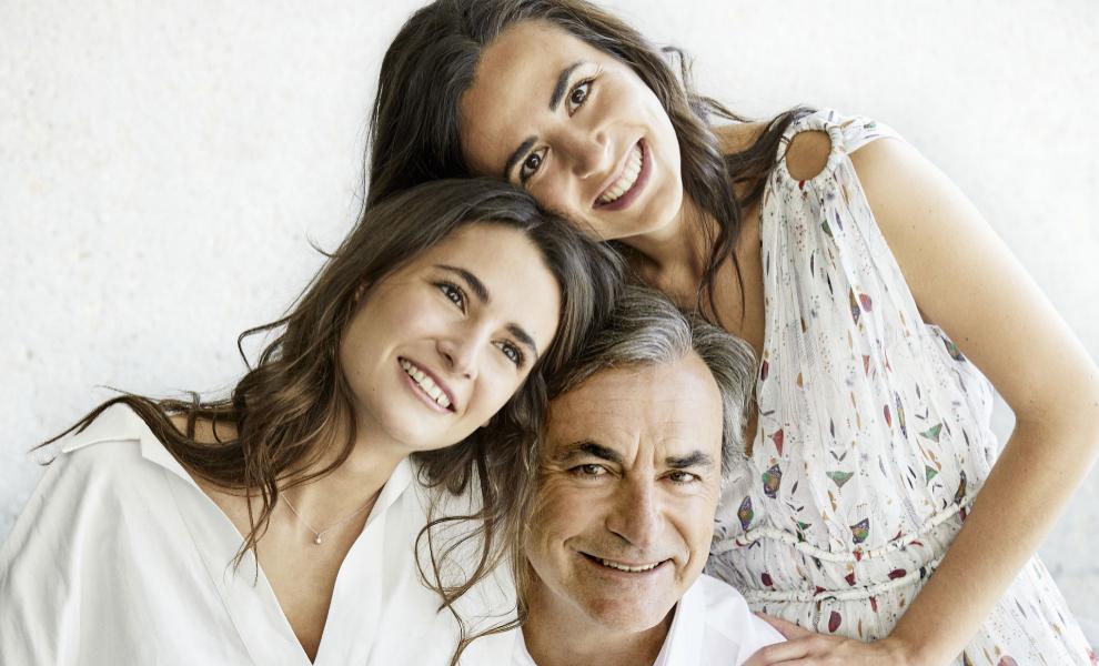 Carlos Sainz con sus hijas, Ana y Blanca
