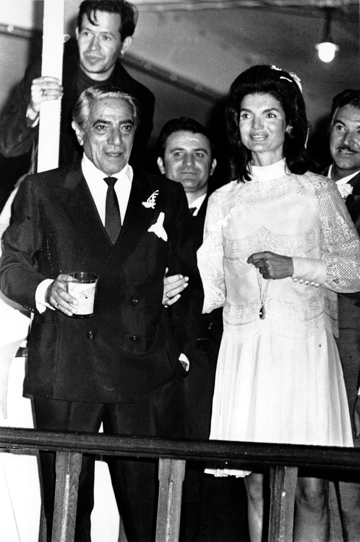 Jacqueline y Aristóteles Onassis el día de su boda en octubre de 1968, en la isla de Skorpios
