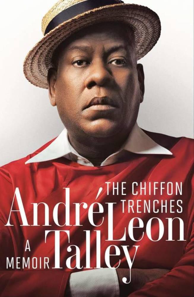 """La portada de las memorias de André Leon Talley, """"The chiffon trenches""""."""
