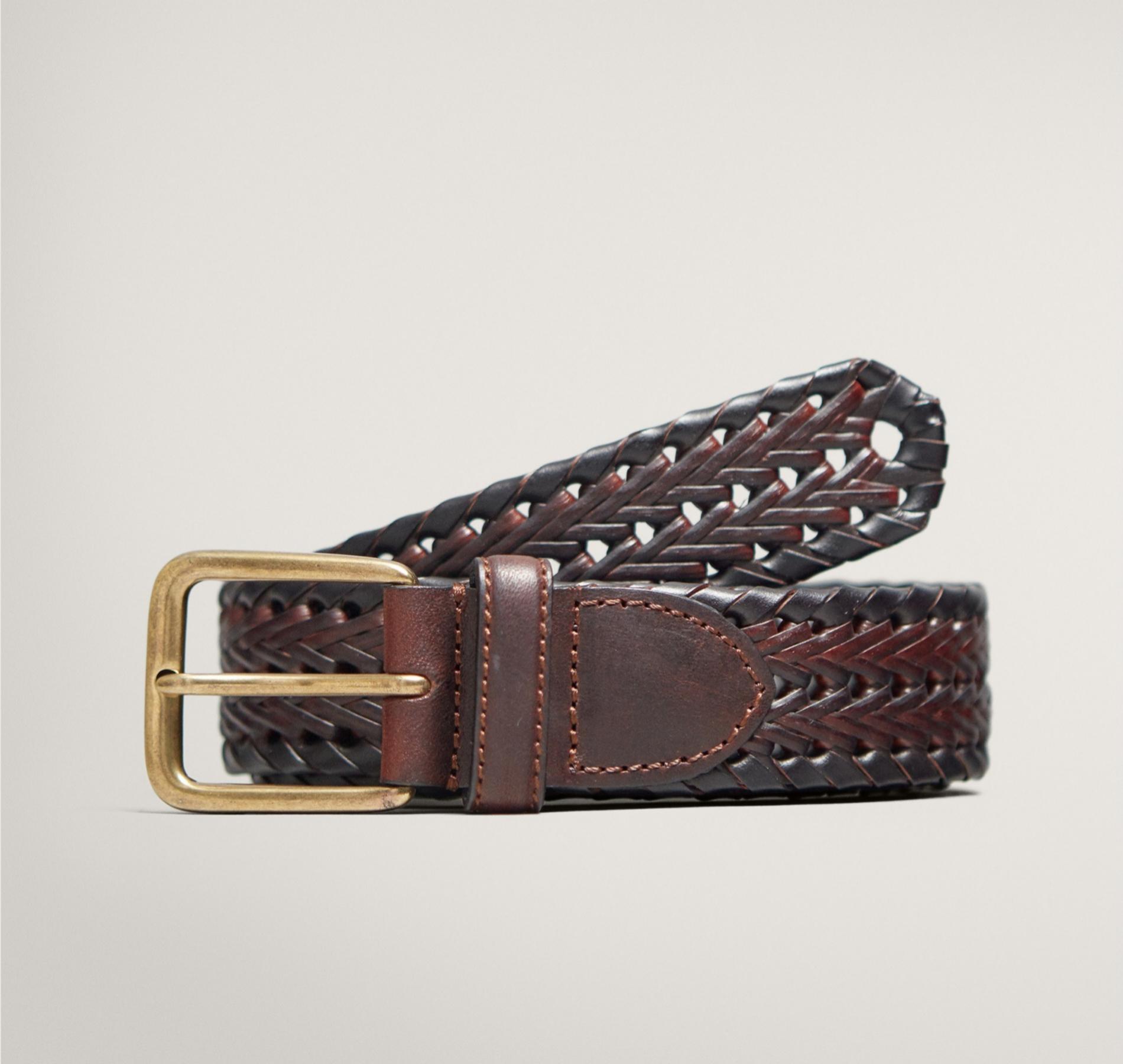 Un buen cinturón de piel es un básico de moda fundamental. Éste, al...