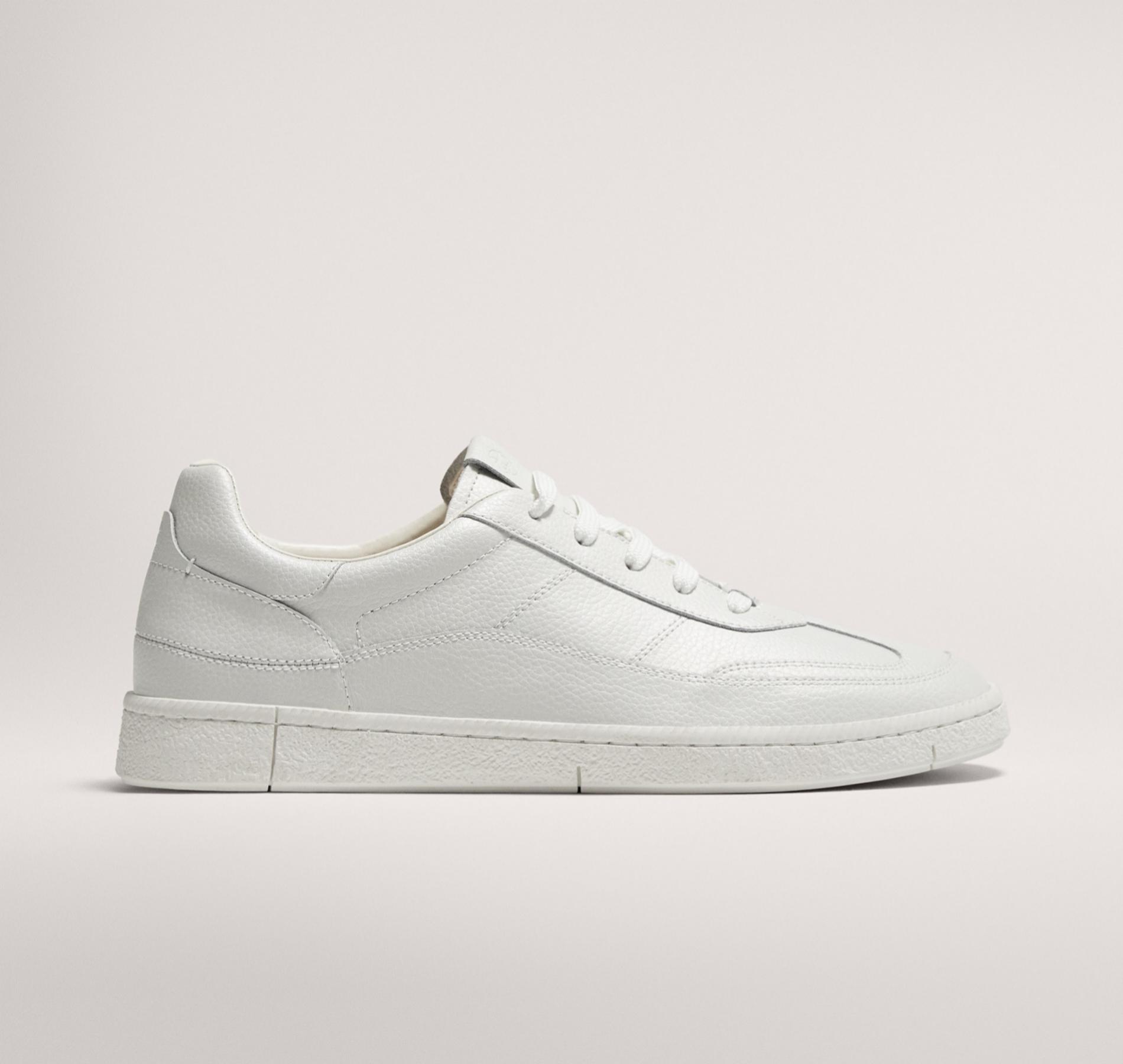 Otra opción, las sneakers de toda la vida. Estas son de hombre, de...