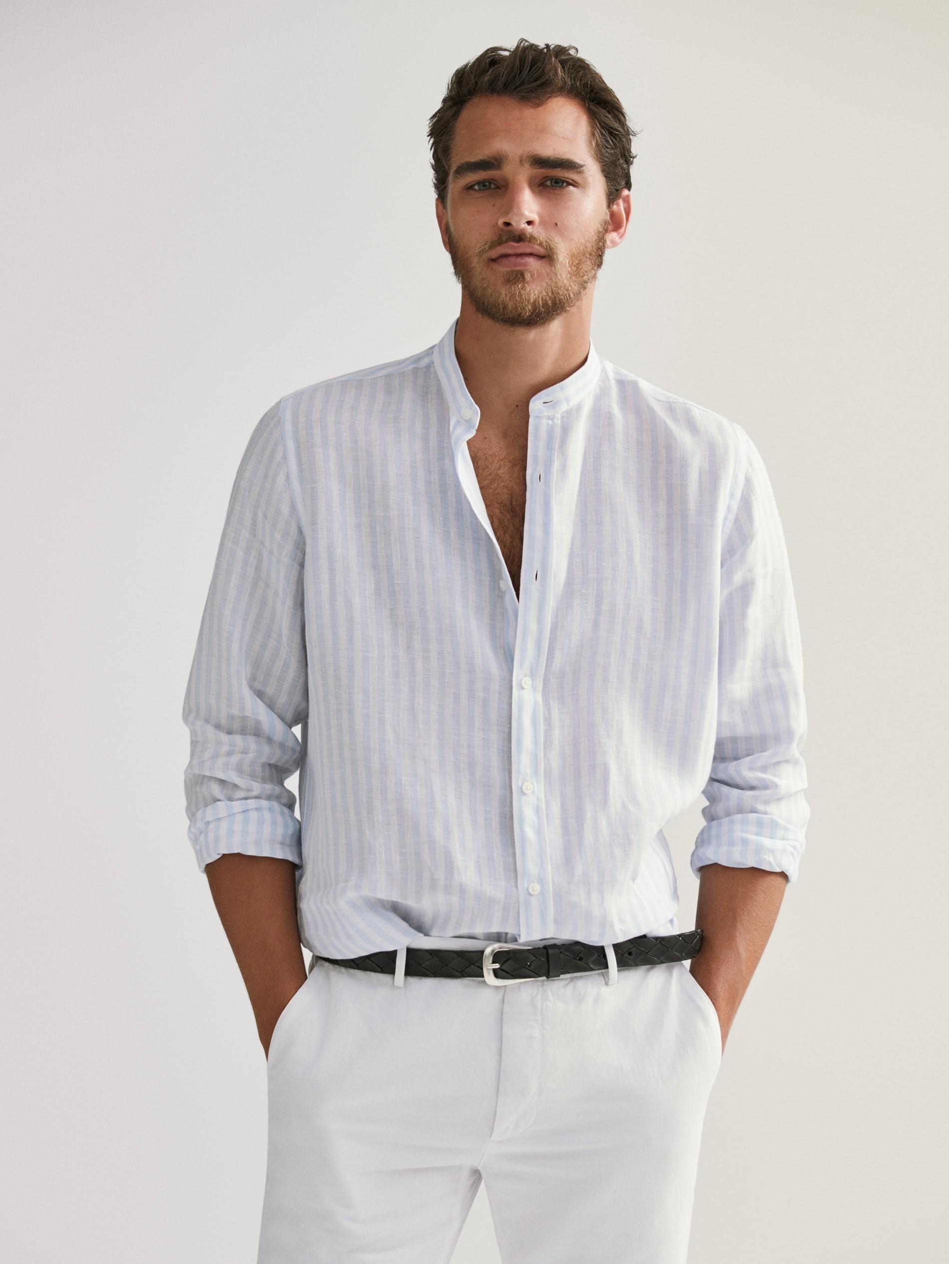Esta camisa de lino es perfecta para llevar con vaqueros, siempre con...