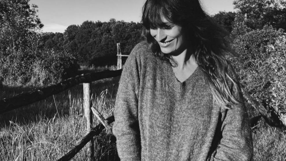 La modelo francesa Caroline de Maigret y su estilo effortless son un...