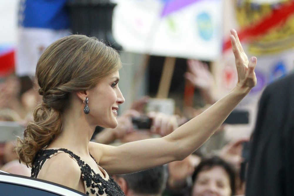 En los Premios Príncipe de Asturias de 2016, la reina Letizia con una coleta invertida.