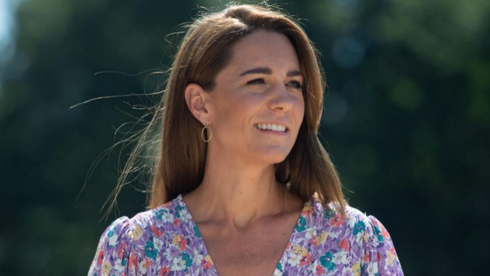 Kate Middleton con vestido de flores.
