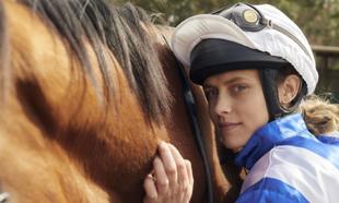 Teresa Palmer da vida a Michelle Payne, la primera mujer jockey en...