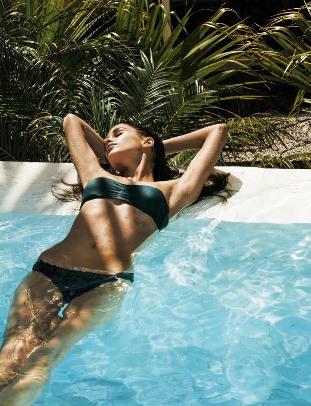 La resistencia del agua es perfecta para ejercitar los músculos sin impacto.