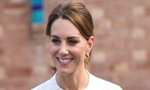 Los mejores looks de Kate Middleton con marcas asequibles, como Zara o...