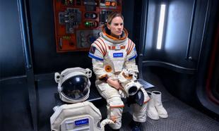 Hilary Swank interpreta a la primera mujer en llegar a Marte en...