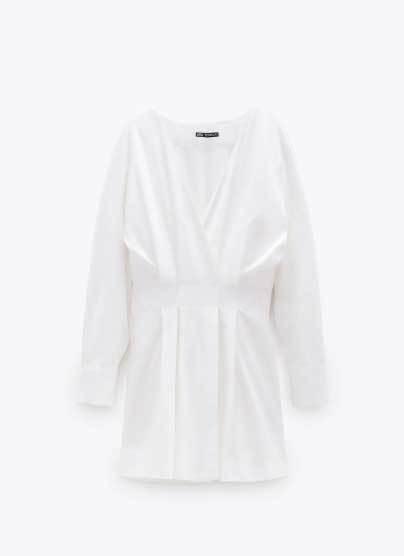 Vestido de Zara (29,95 euros).