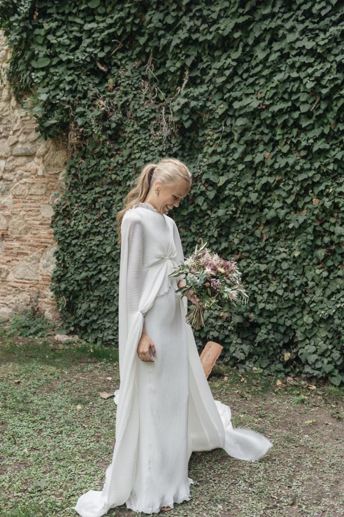 El  vestido de Sofía Johansson era una túnica plisada que recuerda a...