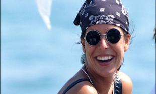 ¿Cómo se lleva el pañuelo este verano? Gabriela Bilbao, estilista...