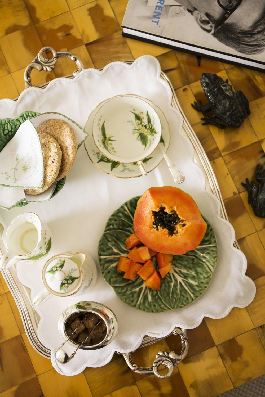 Tomar papaya entre horas o como postre alivia mucho la sensación de vientre hinchado por sus beneficiosas enzimas digestivas.