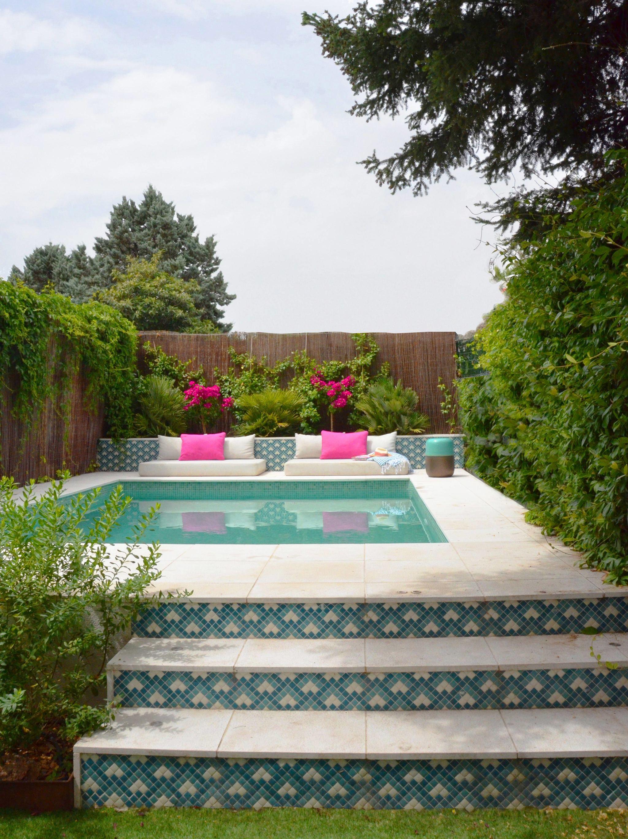 """""""En mi piscina incorporé color en el revestimiento de la piscina,..."""